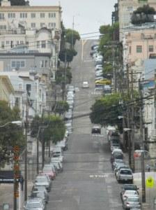 De bratte gatene, husene, akkurat slik man har sett dem i diverse Hollywoodfilmer.