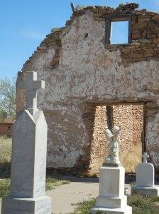 Kirken ble bygget på begynnelsen av 1800-tallet. I dag står kun skroget igjen.